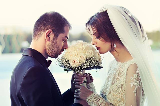 彼氏と結婚したい人必見!彼が決意しない理由と結婚を意識させる方法はこれだ!